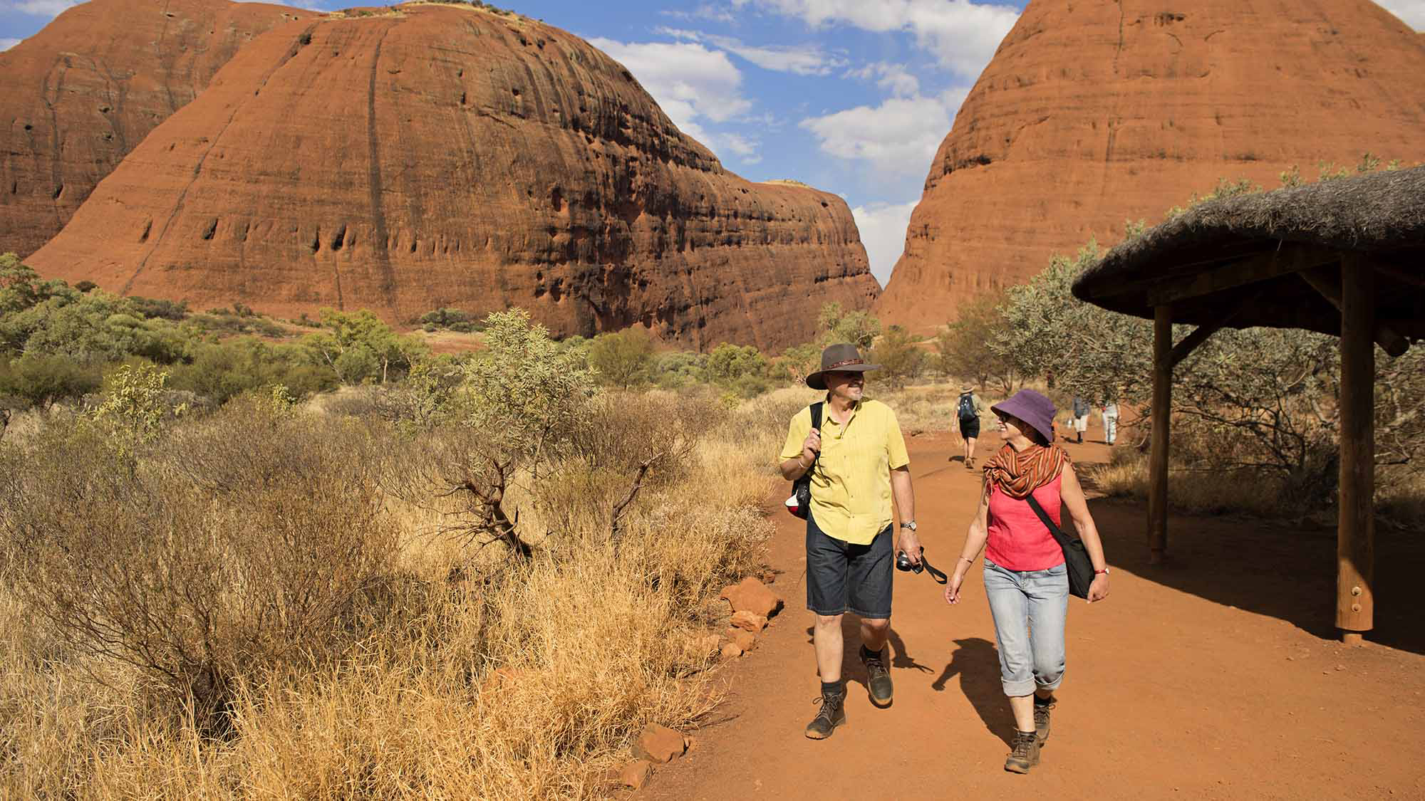 Red Centre & Uluru Explorer (with overnight in Curtin Springs)